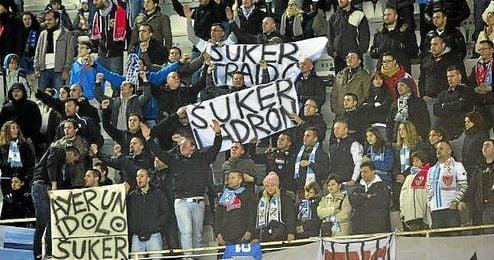 Pancarta contra Súker en un Sevilla-Rijeka de Europa League.