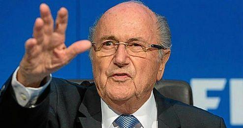 Blatter no piensa renunciar a su cargo.