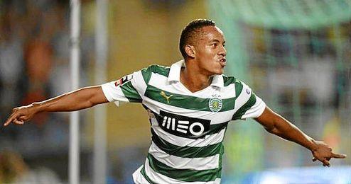 André Carrillo celebra un gol con el Sporting de Portugal.