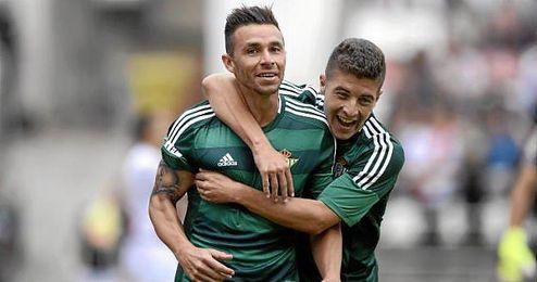 Rubén Castro celebra su gol en Vallecas, el último que ha firmado.