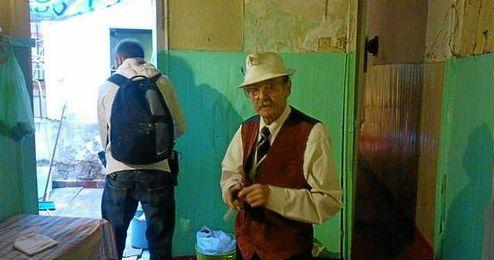 Juan Bautista, de 80 a�os, asegura que tarde o temprano el desalojo tendr� que suceder.