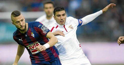 Reyes y Juncá, en un lance del partido.