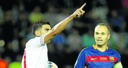 Reyes, ante el Barcelona.