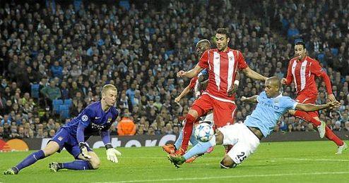 Iborra pisa área rival; el Sevilla llevó mucho peligro a la portería de Hart.