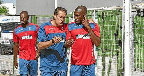 Ni Musavu-King, ni el lateral Neuton Piccoli y los extremos Rober Ibáñez y Édgar Méndez están citados para mañana.