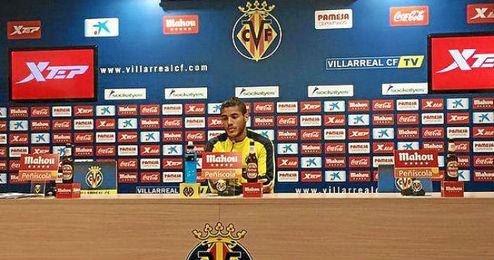 Dos Santos en rueda de prensa.