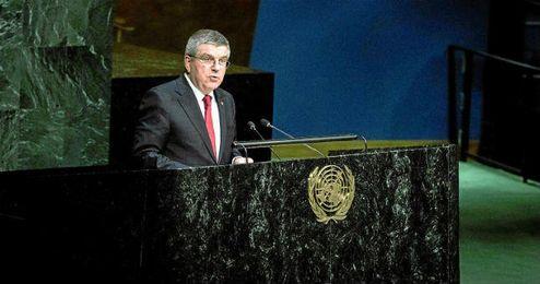 Bach durante la Asamblea General de la ONU.