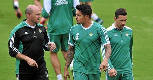 Pepe Mel y Juan Vargas, en una sesi�n.