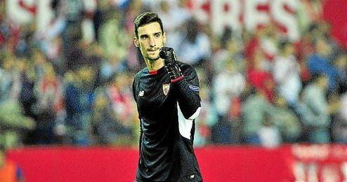 Sergio Rico no se ha librado de las críticas, atenuadas en los últimos encuentros.