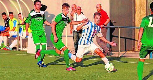 En la imagen, lance del Rinconada-La Liara (3-1), disputado en la primera jornada del campeonato.