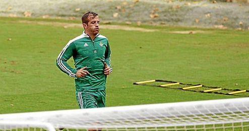 Van der Vaart y Molina vuelve a la lista de convocados.
