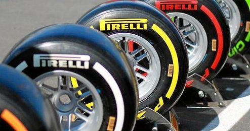 Los test deberán llevarse a cabo con los pilotos de carrera o de reserva.