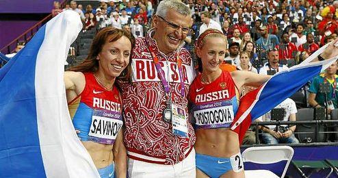 La AMA recomendó hoy suspender de por vida, entre otros diez atletas y técnicos, a María Savínova, campeona olímpica de 800 metros en Londres.