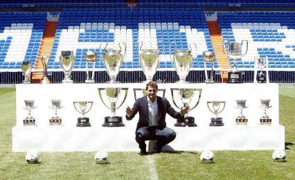 Iker Casillas con su palmarés en el Santiago Bernabeu.