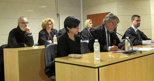 El Tribunal Superior de Xustiza de Galicia (TSXG) ha confirmado este jueves el delito de asesinato con la concurrencia de la agravante de parentesco.