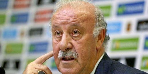 Vicente Del Bosque compareciendo ante los medios de comunicaci�n.