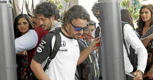 Alonso espera que 2016 le depare mayores alegrías que 2015.