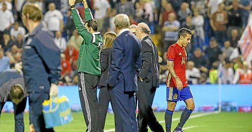Thiago fue reemplazado a los 27 minutos por Santi Cazorla.