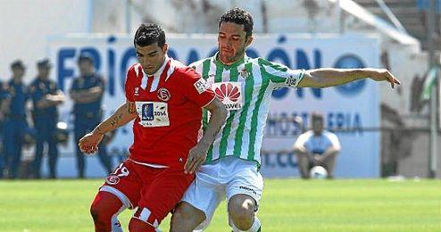 Sevilla y Betis ya miran de reojo al derbi.