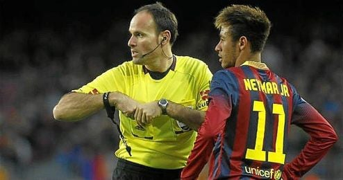 Mateu Lahoz volverá a dirigir tras hacerlo en París.