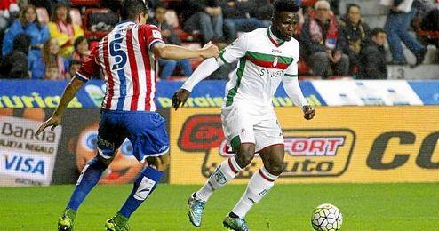 Imagen del jugador durante un choque ante el Sporting.