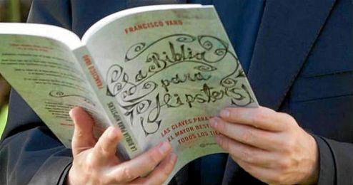 Seg�n su autor, este libro est� pensado para aquellos que nunca han pensado en leerla, para que se diviertan y se despierte su curiosidad.