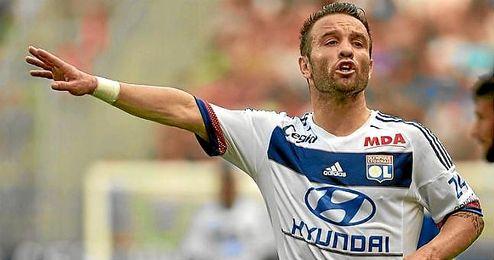 Valbuena no fichó por el Sevilla y se marchó a Moscú, de ahí, al Olympique de Lyon.
