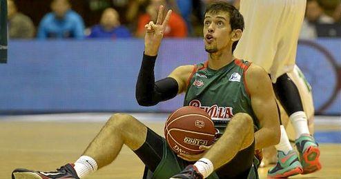 El base serbio del Baloncesto Sevilla Nenad Miljenovic, en rueda de prensa.