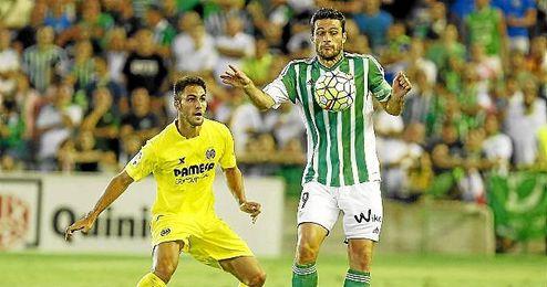 Molina no piensa en salir del Betis en enero.