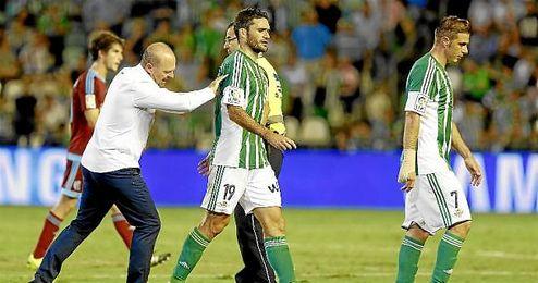Jorge Molina no ha renovado aún, finaliza contrato en 2016.