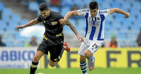 Vitolo, en un lance del partido en Anoeta.
