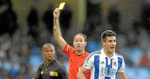 Mateu Lahoz, en un lance del Real Sociedad-Sevilla.