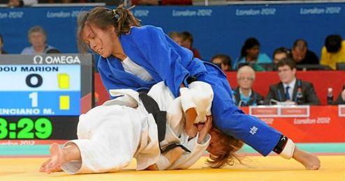 Mónica Merenciano, durante una competición de judo.
