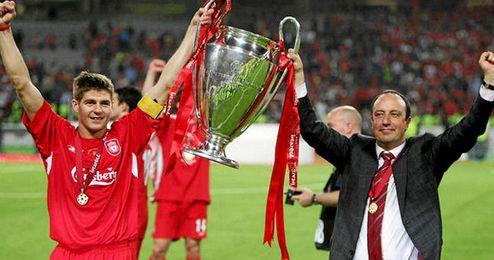 Gerrard estuvo a las órdenes de Benítez y conquistaron la Champions de 2005.