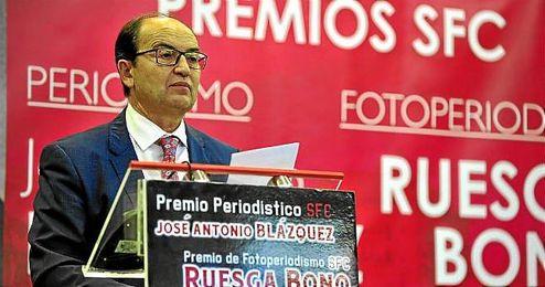 José Castro espera que el Sevilla vuelva a luchar por la Champions.