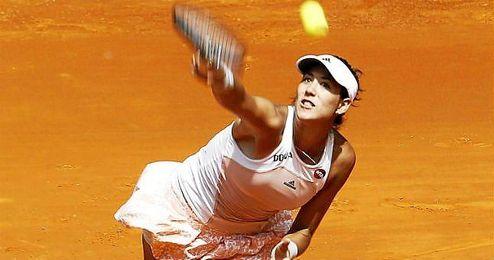 Muguruza sirviendo una bola en el Open de Madrid.