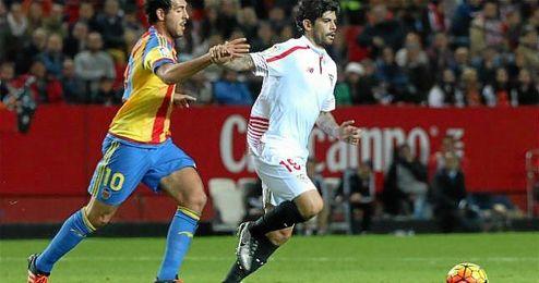 Banega sacó su batuta en el Sevilla-Valencia.