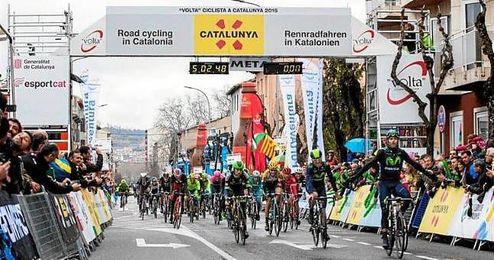 Imagen del pelot�n en la Vuelta a Catalu�a.