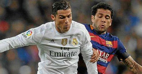 Alves cree que Cristiano deber�a tener m�s influencia en el juego para optar al Bal�n de Oro.