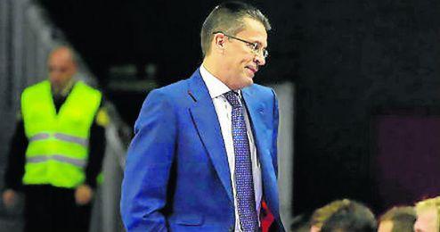 El t�cnico del Valencia Basket, Pedro Mart�nez, mostr� su respeto por el plantel del C.B. Sevilla.
