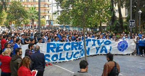 Las pe�as del Recre se unieron a la protesta.