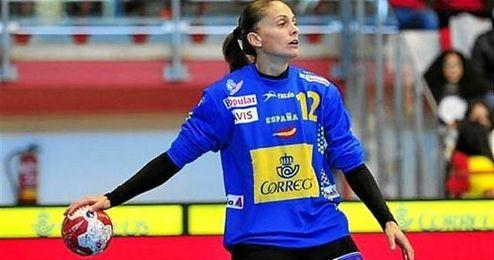 La portera Silvia Navarro fue una de las más destacadas del partido.