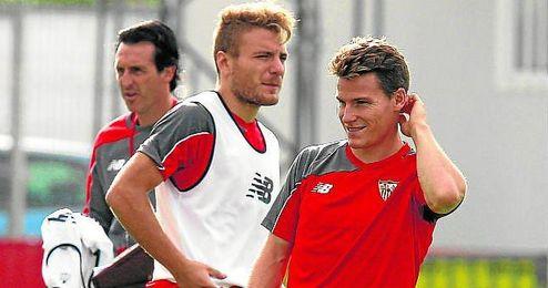 Ciro Immobile y K�vin Gameiro, durante un entrenamiento del Sevilla.