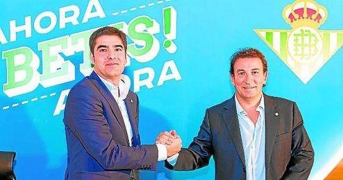Ángel Haro, a la izquierda, y José Miguel López Catalán, a la derecha de la imagen.