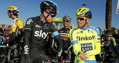 Contador, antes de una etapa junto al británico Froome.