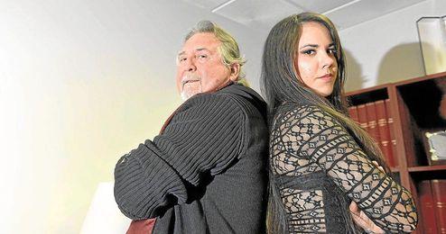 José Iniesta posa junto a Beatriz Ramos.
