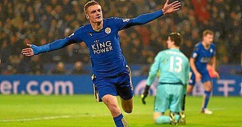 Vardy abrió el marcador en el Leicester-Chelsea.