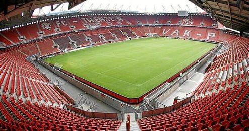 El club holand�s pag� a �Doyen Sport� cinco millones de euros por los derechos de siete futbolistas.