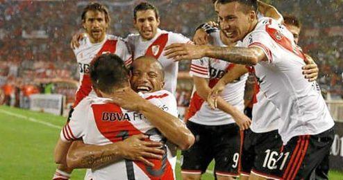 Los jugadores de River Plate celebrando el gol de la victoria.�