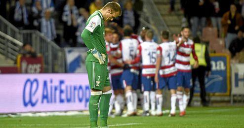 El Arabi salva al Granada con un solitario gol.